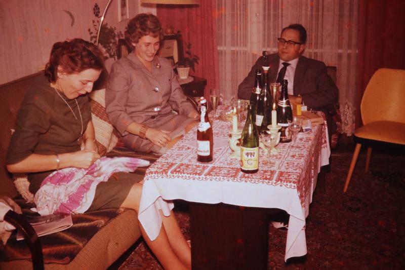 Bier, couch, mainzer gold, Radio, Sekt, Tischdecke, wein