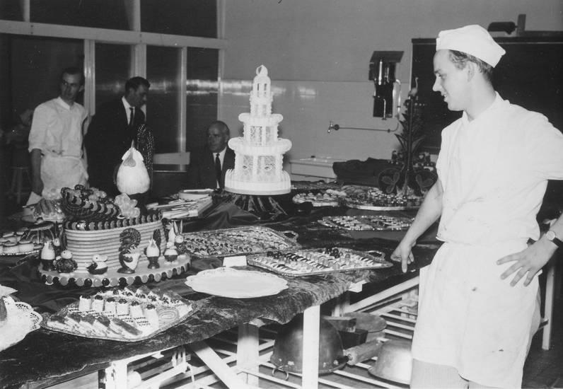 Konditor, kuchen, kunstwerk, meisterschule, meisterwerk, Nachspeise, süßspeisen, torte
