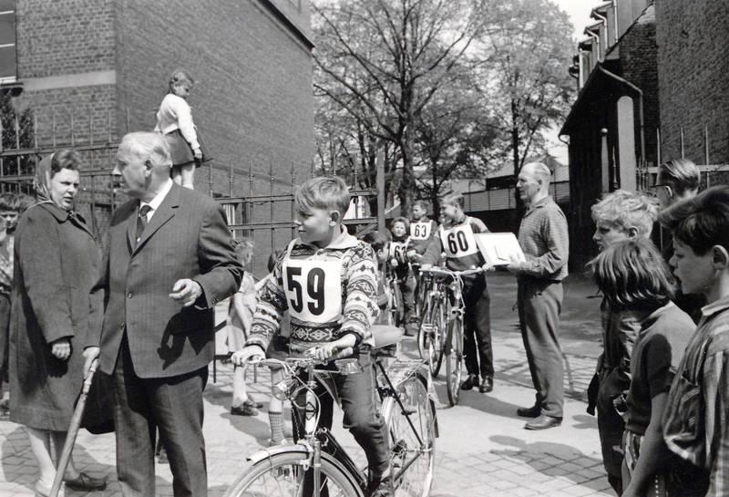 fahrrad, Kindheit, Radfahrprüfung, schule, schulzeit, Verkehrswoche
