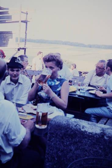 außenbereich, Bier, Bierglas, Bierkrug, gasthaus, Gaststätte, maß, restaurant, Terrasse