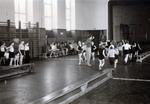 Turnen im Sportunterricht