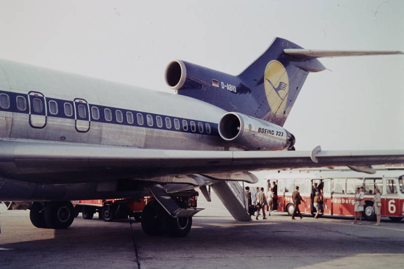 ankunft, Boeing 727, bus, flieger, Flughafen, flughafen hamburg, flugzeug, lufthansa, Maschine, reise