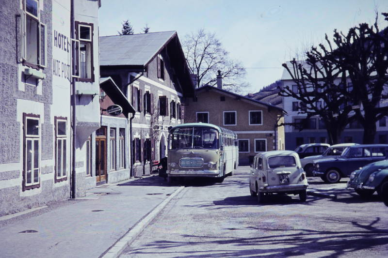 Alte Post, auto, bus, Hotel, Kässbohrer Setra, KFZ, PKW, Reisebus, urlaub, Urlaubsreise, VW-Käfer