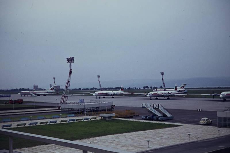 flieger, Flughafen, Flugplatz, flugzeug, Landebahn, Maschine, rollfeld, vorfeld