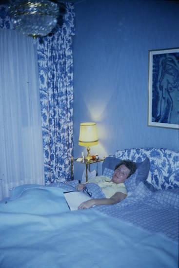 bett, bild, blau, Decke, Hotel, Hotelzimmer, nachttisch, nachttischlampe, Schlafzimmer, überdecke