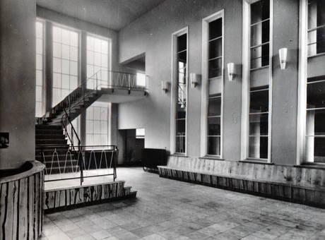 Treppe in einer Jugendherberge
