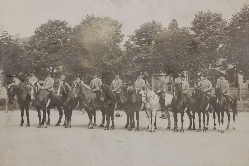Festreiter, Jubiläumsfestzug, Pferd, Reiter, Turn-Verein Bretzenheim