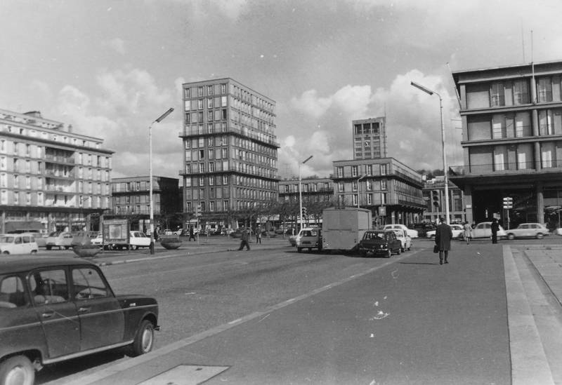 Architektur, auto, betonbauten, KFZ, Le Havre, Ostern, PKW, Rathaus, renault-r4, rue de paris, rue victor hugo, turm