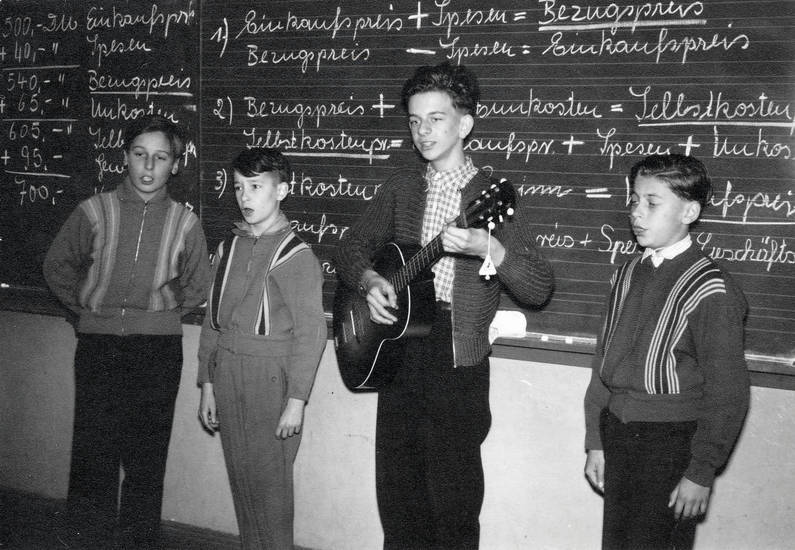 Gitarre, Kindheit, Kreide, Schüler, Singen, tafel