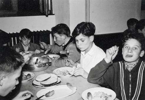 Essen am Tisch
