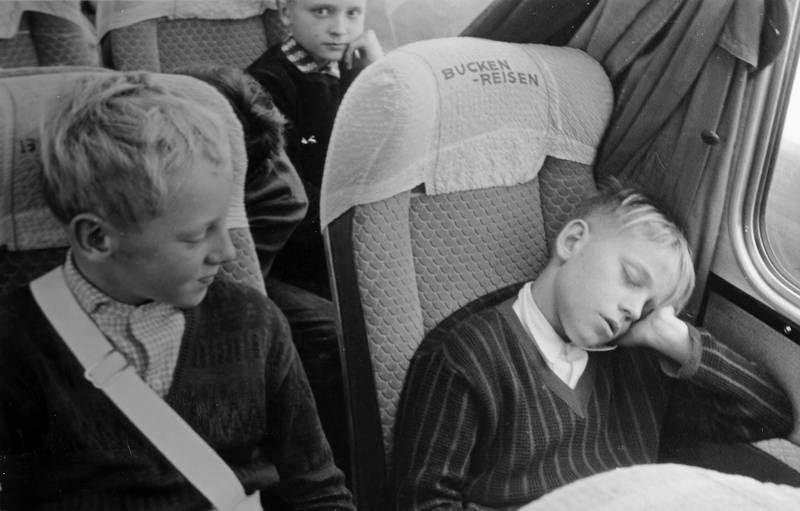 Brügge, bucken-reisen, bus, bussitz, Kindheit, rückfahrt, schlafen, Schülerlotse, Uniform
