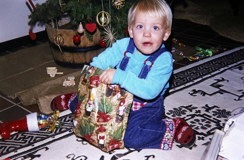 auspacken, geschenk, Kindheit, tannnenbaum, Weihnachten, Weihnachtsgeschenk