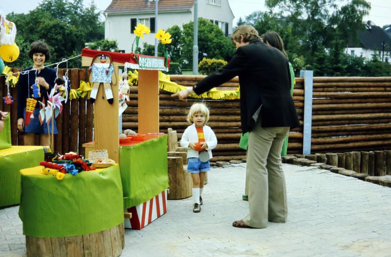 dose, dosenwerfen, kind, Kindergarten, Kindertagesstätte Zahlbach, Kindheit, Kita, Sommerfest