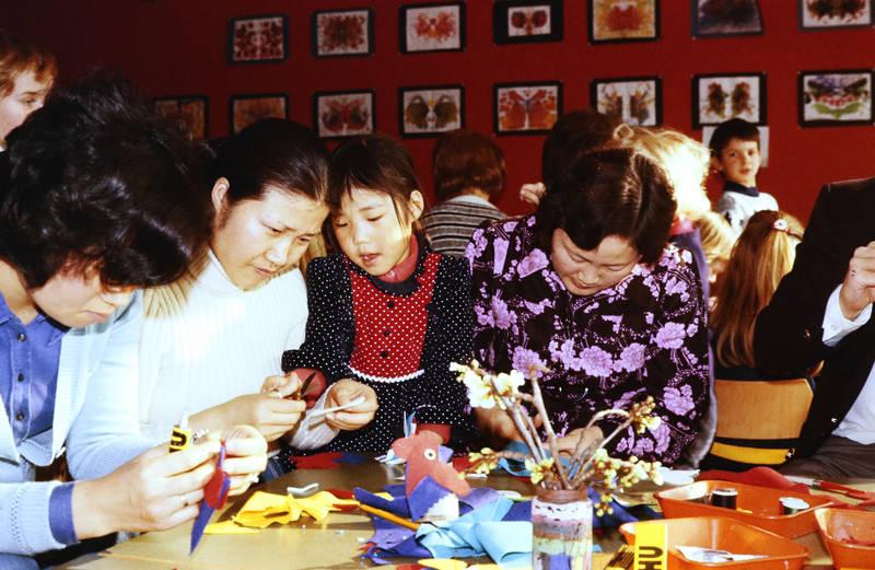 Basteln, kind, Kindergarten, Kindertagesstätte Zahlbach, Kindheit, Kita, Schere, Sommerfest