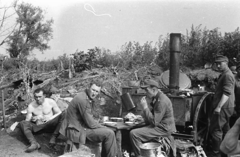 essen, Gulaschkanone, Sonne, Sonnenschein, Uniform, Wehrmacht, zweiter weltkrieg