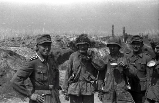 Soldaten trinken