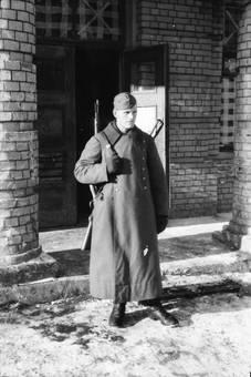 Soldat am Eingang
