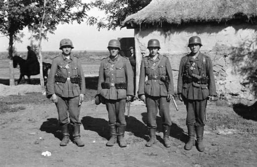 Vier Wehrmachtssoldaten