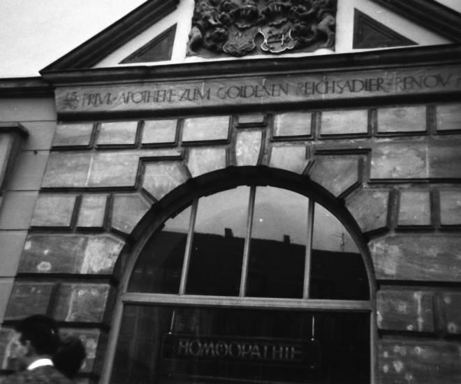 Apotheke, apotheke zum goldenen reichsadler, aufschrift, Fassade, homöopathie, schaufenster, Schild, schrift