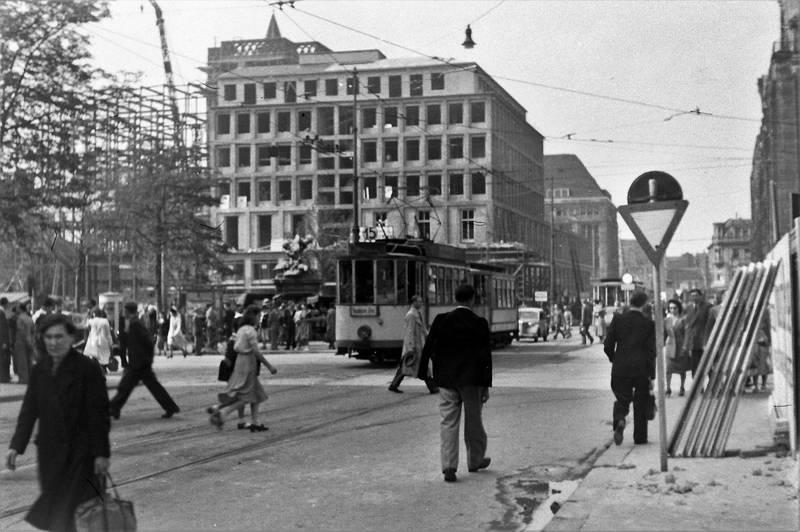 Breidenbacher-Hof, Carsh-haus, Düsseldorf, kö, nachkriegszeit, strassenbahn, theodor-körner-straße, wiederaufbau
