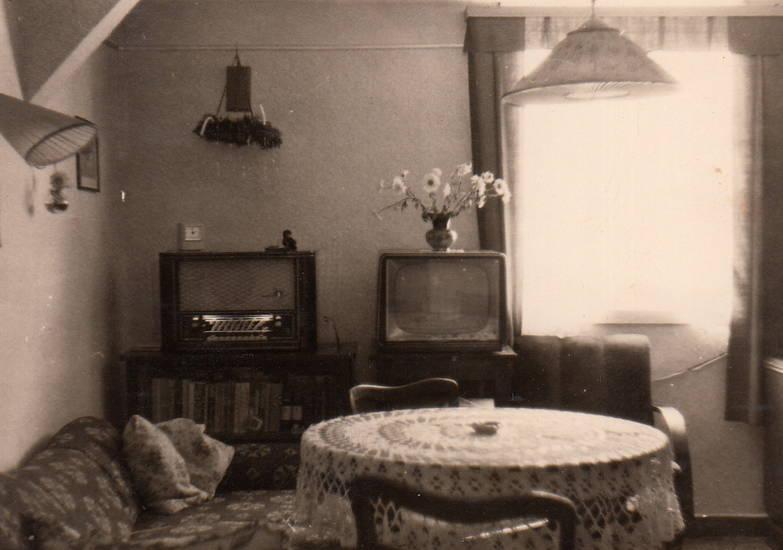 einrichtung, Fernseher, Interieur, lampe, Radio, Tischdecke, tv