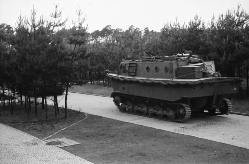 1936, 2. Weltkrieg, Amphibienfahrzeug, baum, Landungsboot, Landwasserschlepper, LWS, Panzer, Pioniere, transport, Transportpanzer, weg, Wehrmacht