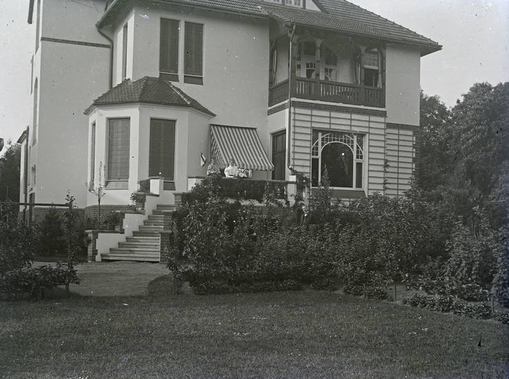 Balkon, familie, Fenster, garen, haus, hintertür, Kindheit, Treppe, Villa, Wohnhaus