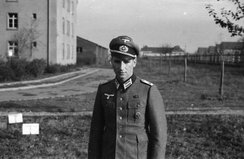 gras, haus, soldat, straße, Uniform, Wehrmacht, wehrmachtssoldat, zweiter weltkrieg