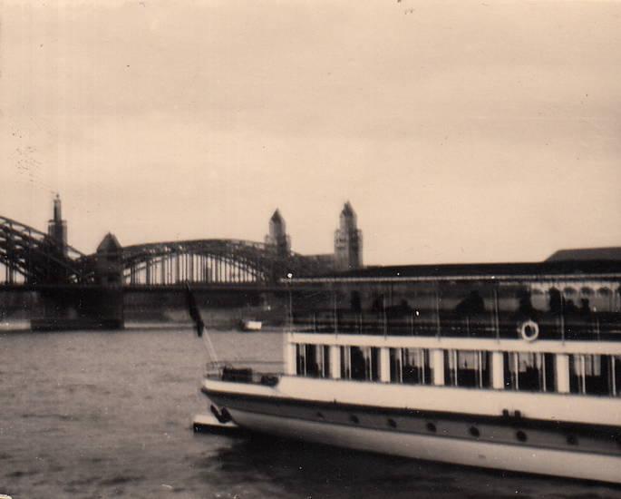hohenzollernbrücke, köln, Rhein, schiff