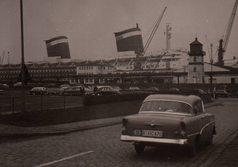 auto, dampfer, faltdach, Hafen, KFZ, köln, Leuchtturm, Opel, PKW, rekord-p1, schiff, VW-Käfer