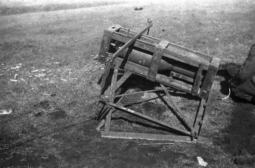 Bombe im Holzkasten