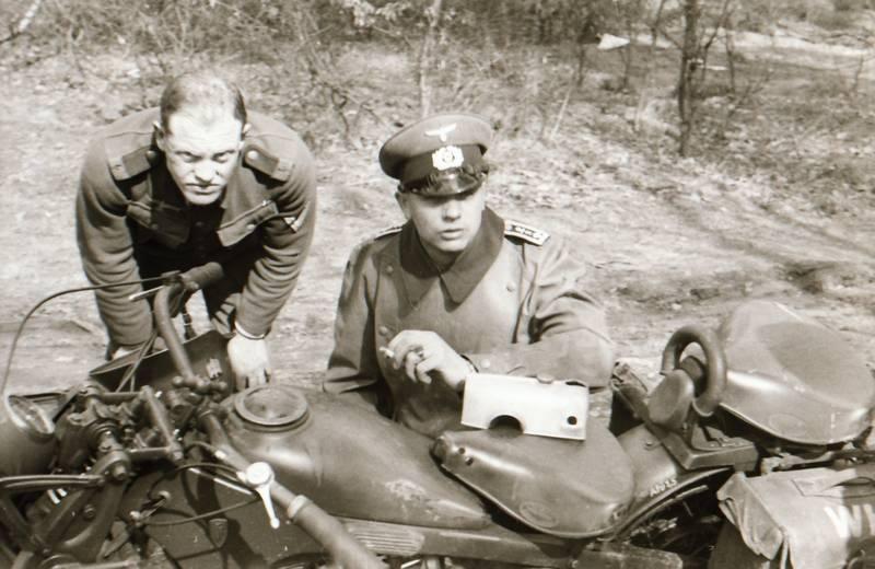 Motorrad, rauchen, soldat, Uniform, Wehrmacht, zigarette