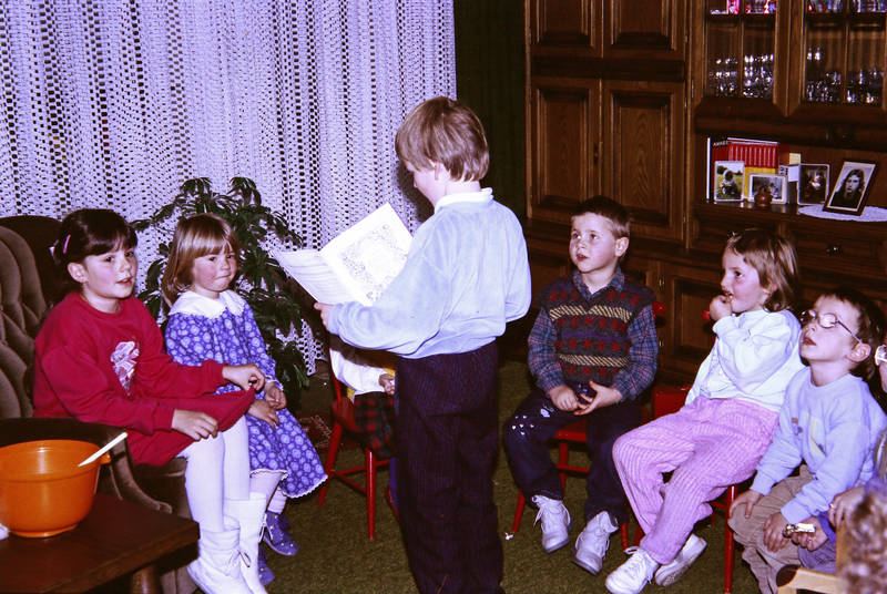freunde, Kindheit, liederbuch, stuhlkreis, vorhang