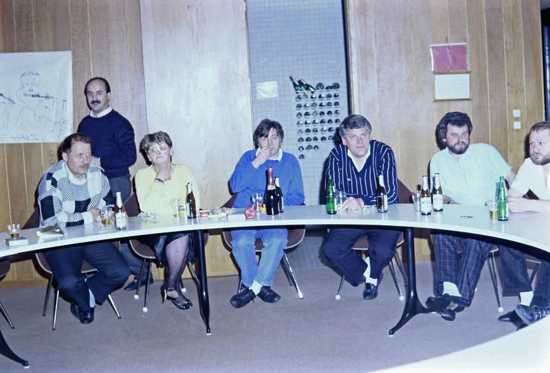 Bier, bierflasche, Dortmunder Actien-Brauerei, Tischrunde