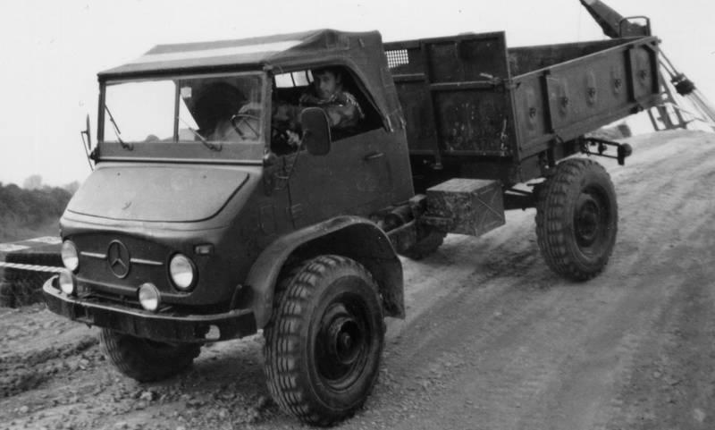 auto, Bundeswehr, geländewagen, KFZ, mercedes, PKW, Unimog, Zusatzscheinwerfer