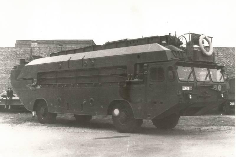 Amphibienfahrzeug, Bundeswehr, fahrzeug, KFZ, Schwimmfahrzeug