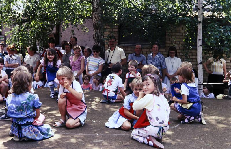 Aufführung, Eltern, Kindheit, Sommer, tanz, Theaterstück, Zuschauer
