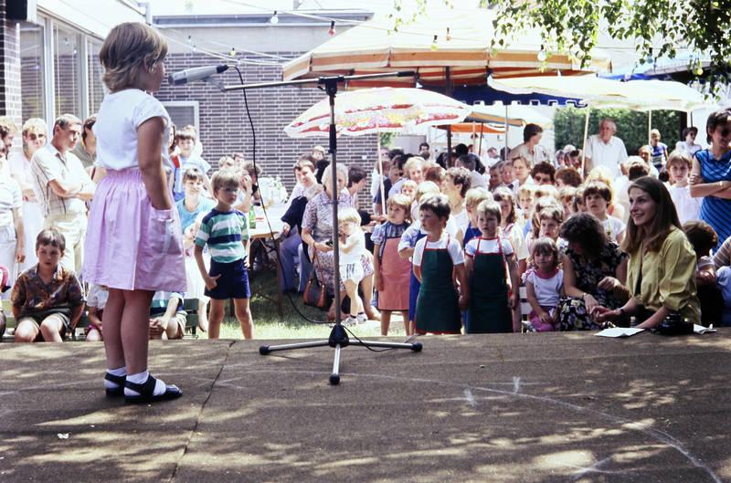 bühne, Kindheit, Mikrofon, Zuschauer