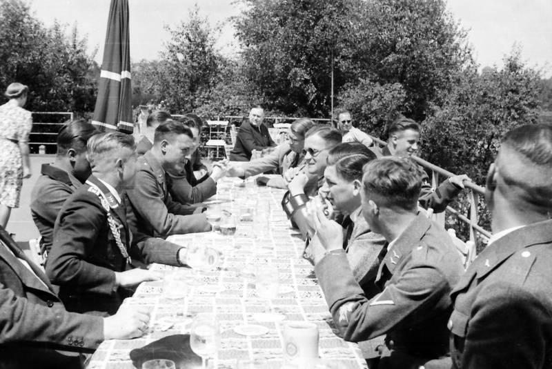 Bier, Biergarten, soldat, sonnenbrille, Uniform