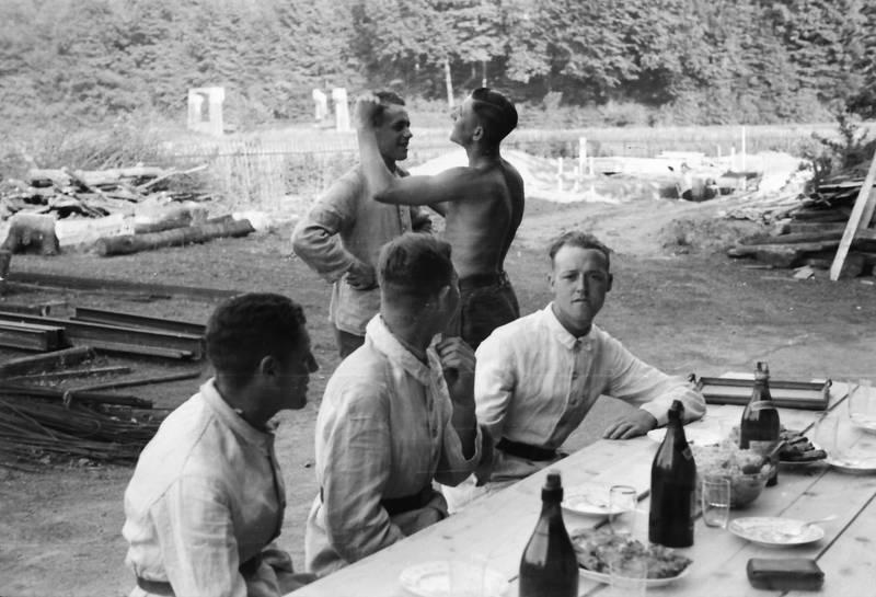 Bank, essen, Flasche, Friseur, soldat, tisch