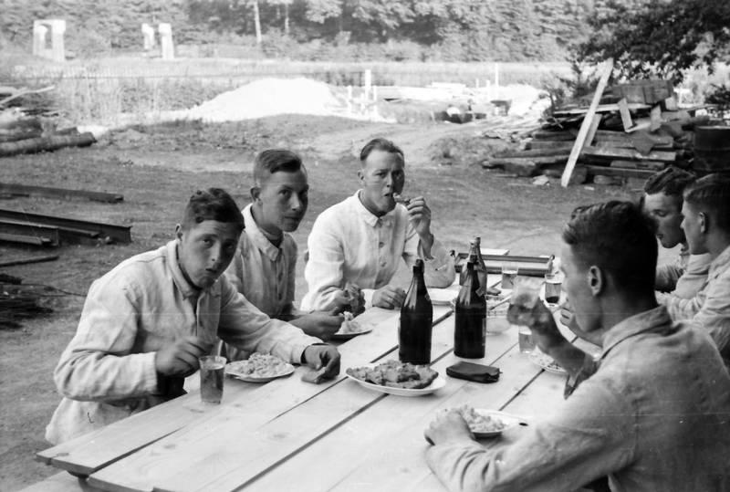 Bank, Flasche, Mittagessen, soldat, tisch