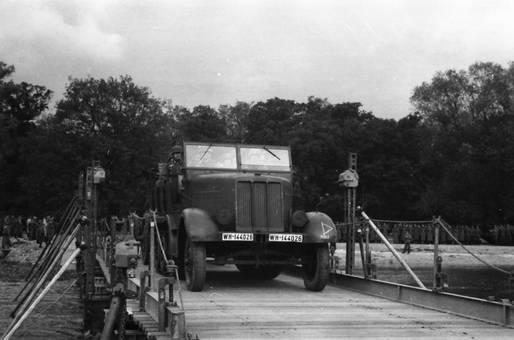 Lastwagen der Wehrmacht
