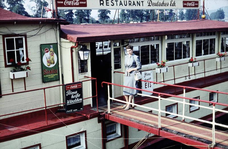 1950er, ausflug, boot, cola, Deutsches Eck, Koblenz, restaurant, Sinalco
