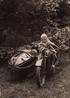 Kind auf Motorrad