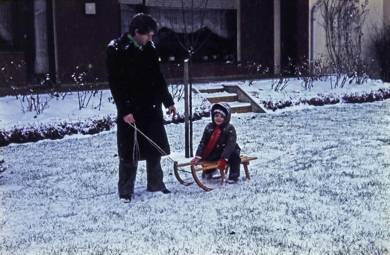garten, Kindheit, schlitten, schnee, vater, winter