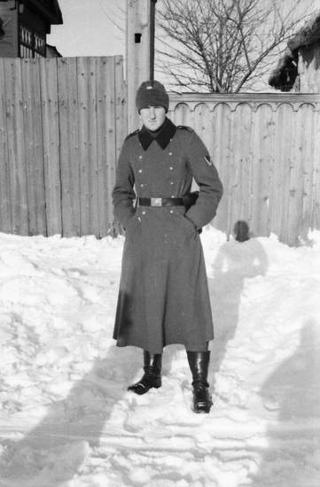2.Weltkrieg, mantel, mütze, schnee, soldat, stiefel, straße, Uniform