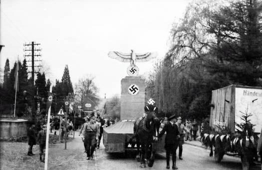 Reichswagen auf einem Festzug