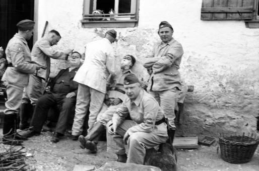 Soldaten-Bartrasur