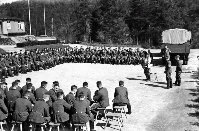 Appell, Hocker, Nationalsozialismus, soldat, Uniform, Wehrmacht, wehrmachtssoldat