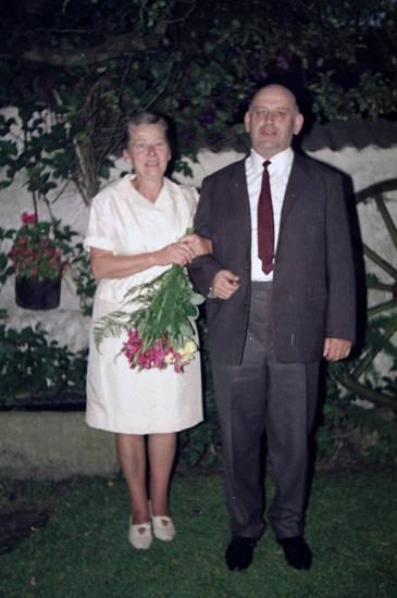 anzug, Blume, Blumenstrauß, Hemd, kleid, Krawatte, mode
